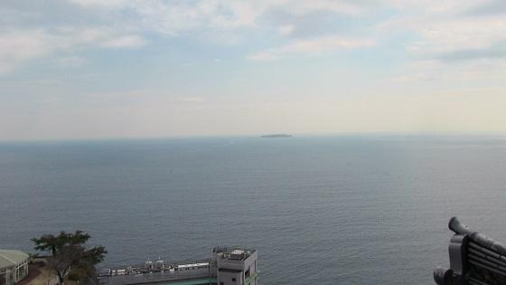 熱海城から初島を遠距離撮影