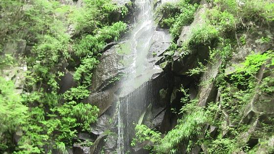 つるべ落としの滝(2)