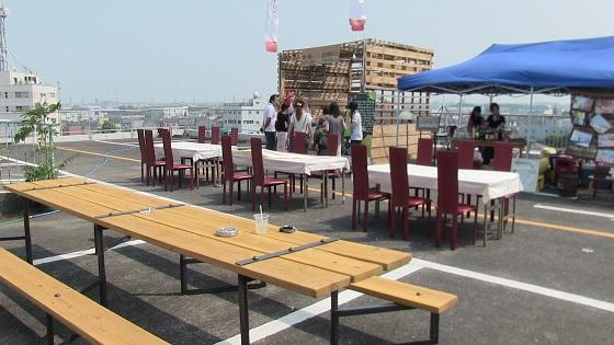 テーブル・休憩スペース