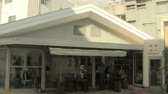 店内のカフェスペース