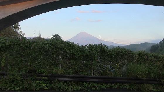 雪化粧前の富士山