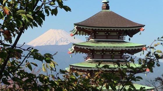 富士山×慰霊塔(1)