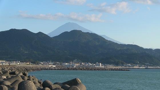 駿河湾×富士山(東名高速道路由比パーキングエリア下り)