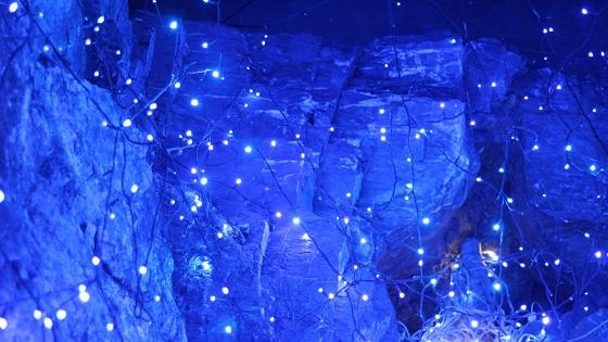 洞窟内ライトアップ(1)