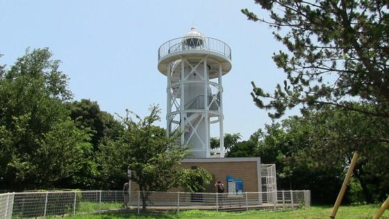 初島灯台外観