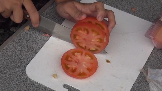 トマトのカット