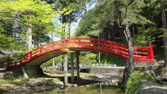 大洞院赤い橋