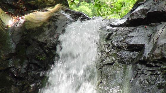 海老名の滝2