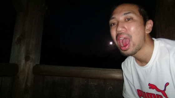 月を食べるすけぞぉ