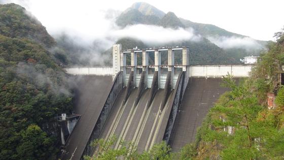 ダム画像3